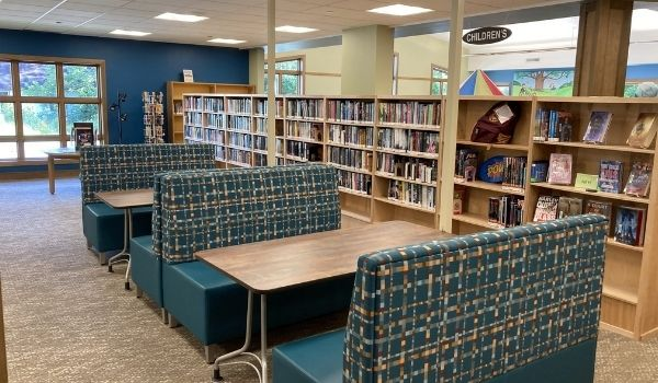 Demmer Library teen space seating